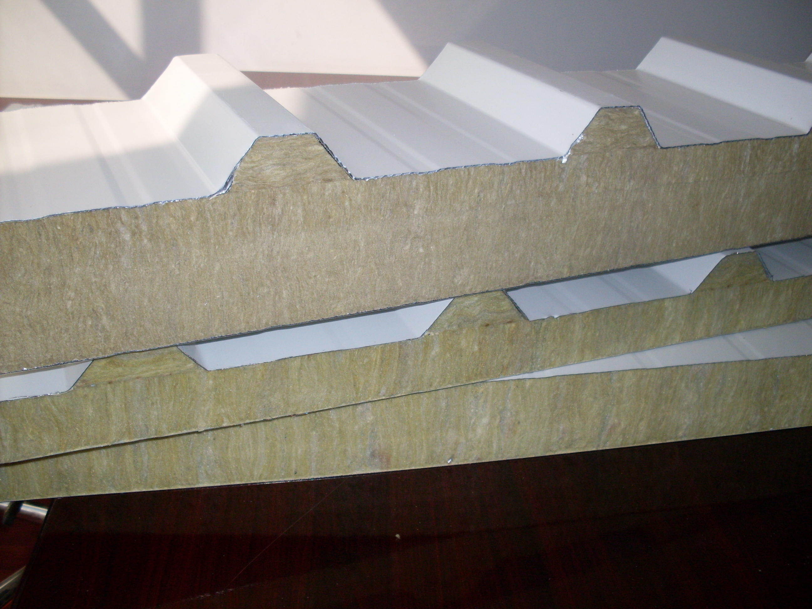 EM-Build – Sandwich Panels / Insulated Panels