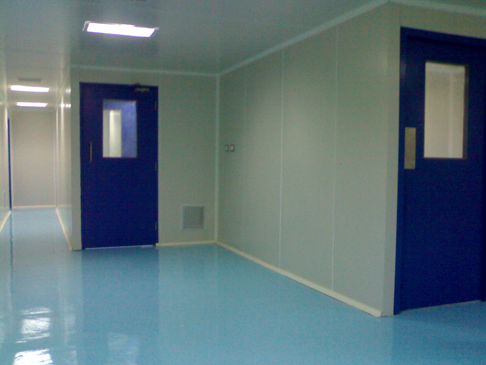 Em Build Insulated Doors For Cold And Clean Rooms